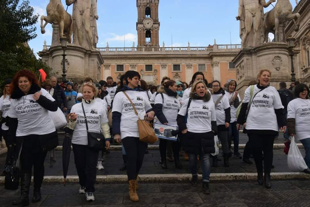 Proletari comunisti pc 11 marzo roma lo sciopero delle for Piazza montecitorio 12