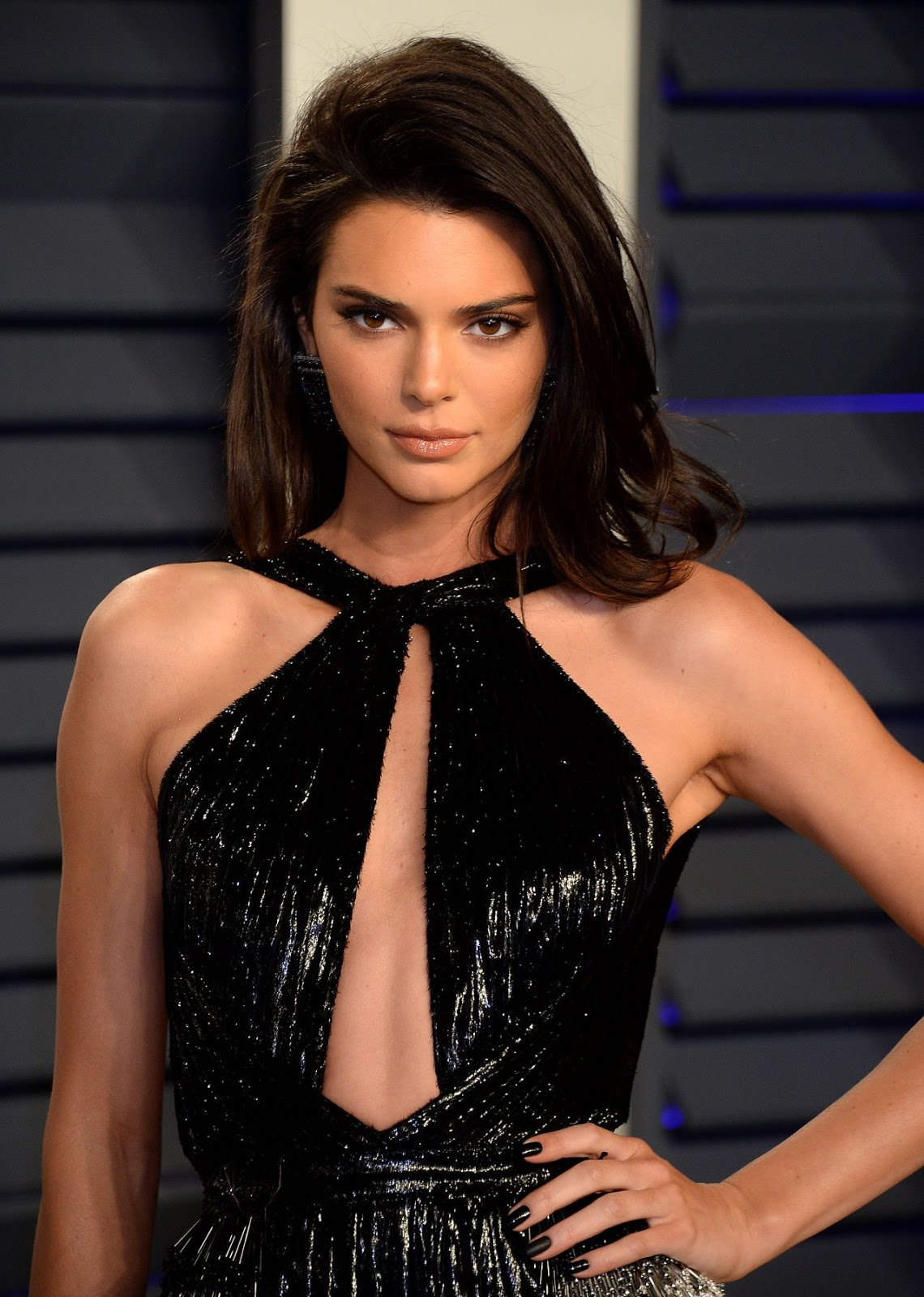 Kendall Jenner had acne at the Golden Globes and didn't care!  |Kendall Jenner