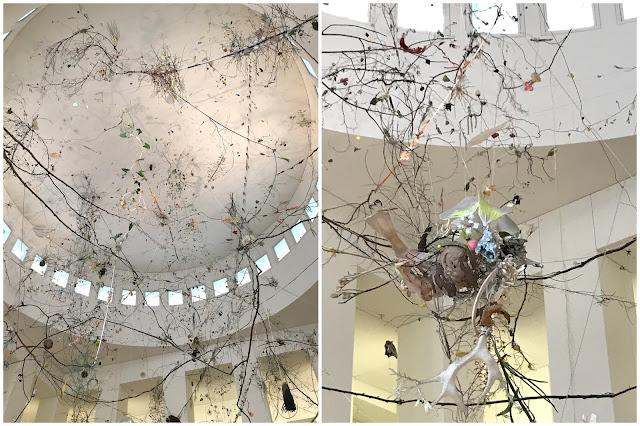 Installation Museum Kunstpalast Duesseldorf mit Baby Jules kleines Freudenhaus