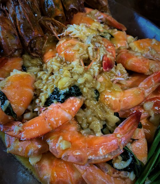 Garlic butter shrimps with bacon recipe