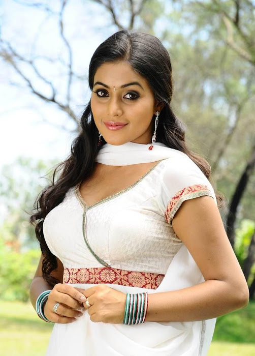 poorna in white dress hot images