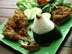 Kuliner Indonesia - Nasi Uduk Bansus