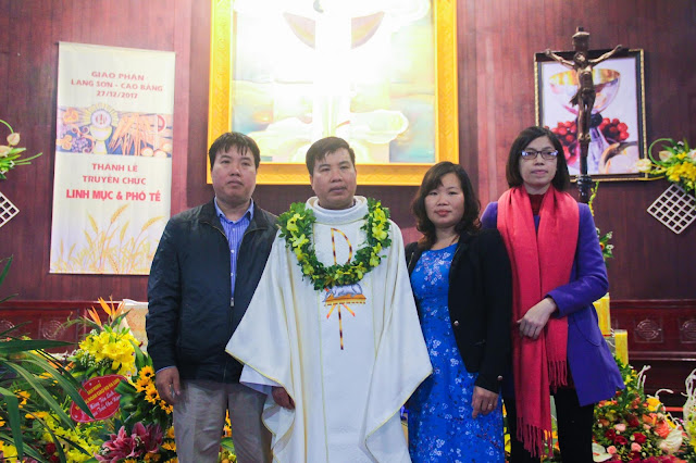 Lễ truyền chức Phó tế và Linh mục tại Giáo phận Lạng Sơn Cao Bằng 27.12.2017 - Ảnh minh hoạ 239