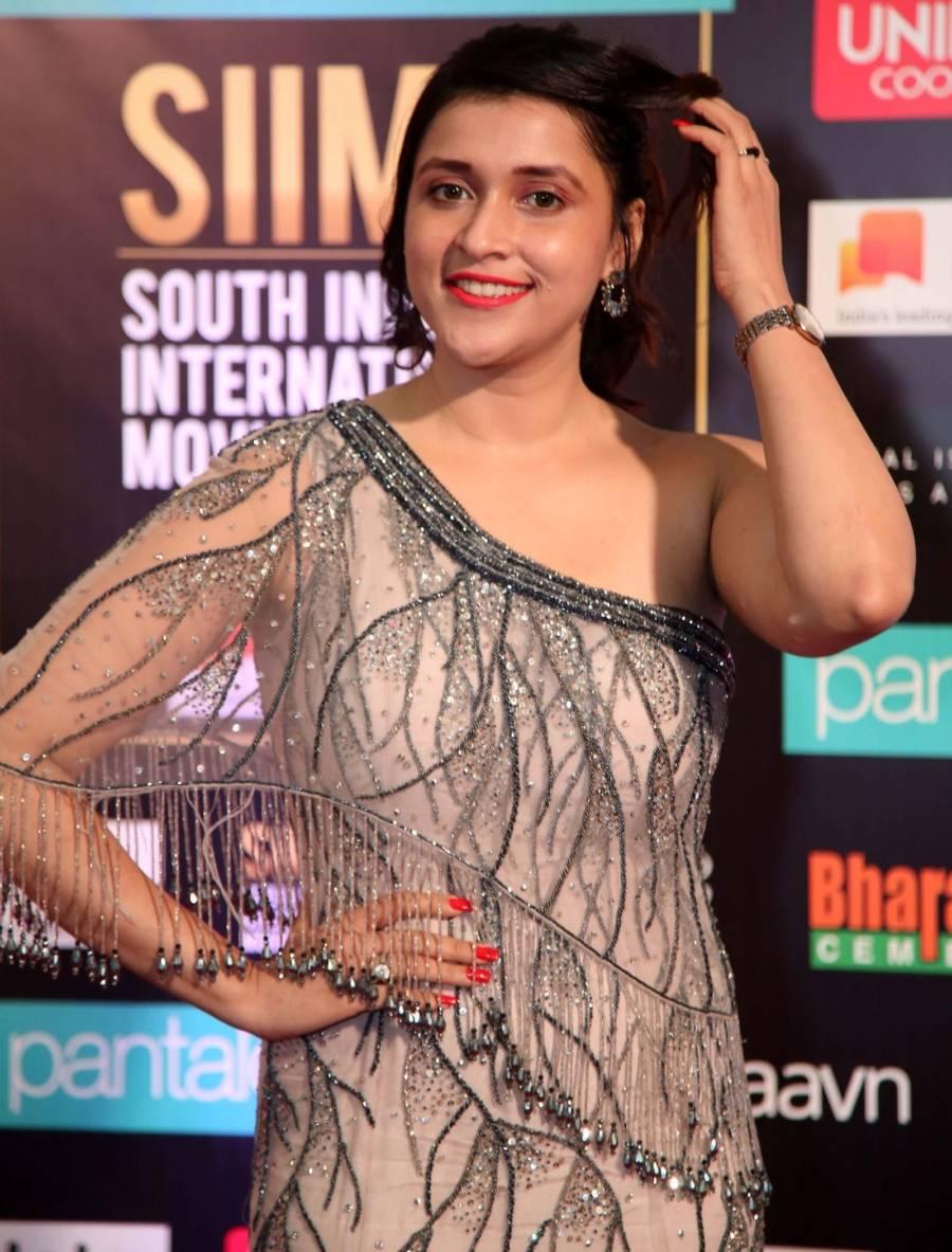 South Indian Actress Mannara Chopra at SIIMA Awards 2019