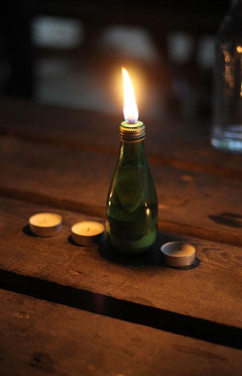 diy une lampe huile pour les soirs d 39 t simplette. Black Bedroom Furniture Sets. Home Design Ideas