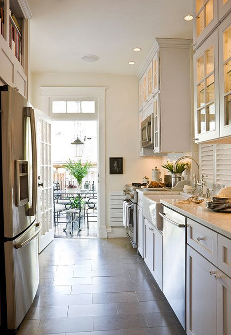 Km House Designed By Estudio Pablo Gagliardo: New Home Interior Design: Remodeled Row House