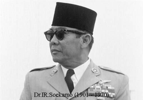 Soekarno ketika kecil diberi nama Koesno Sosrodiharjo oleh ayahnya Mengenal sosok IR.SOEKARNO Presiden RI ke-1