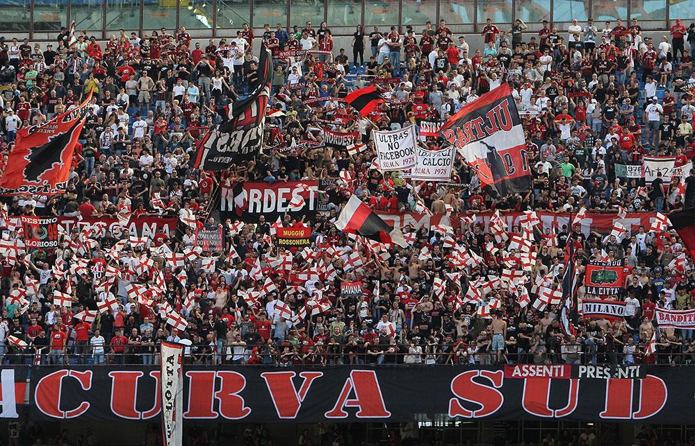 Tribun & Fans Fanatik dari Belahan Dunia Berbeda