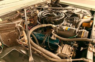 1966 Cadillac Eldorado Cabriolet Green Engine 01