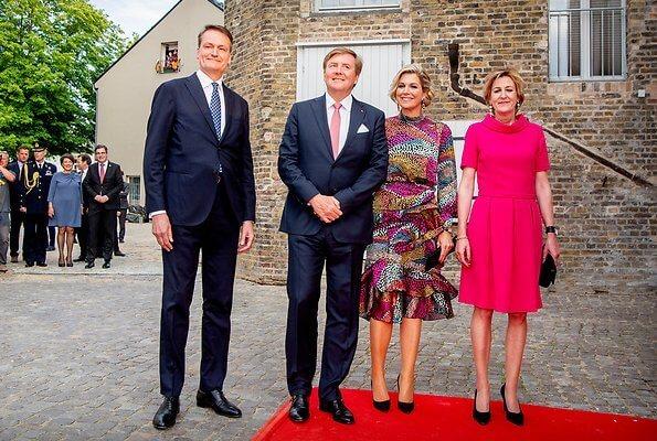 Queen Maxima wore Saloni Isa ruffle dress. Lendelhaus & Historische Saftfabrik Werder in Potsdam, Brandenburg