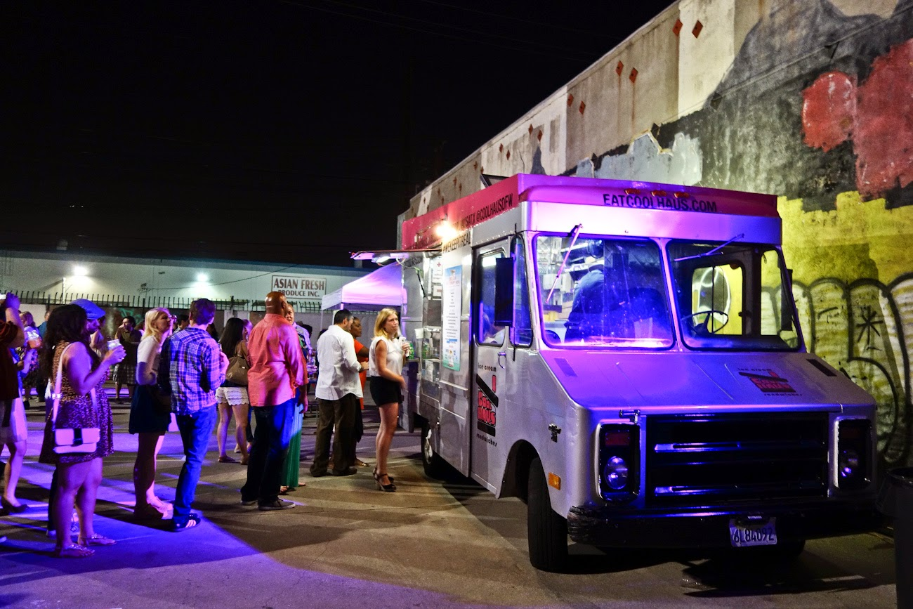 The Coolhaus Truck Converted Postal Van Pimped Out With Chrome Rims Or Rems A Pink Top And Fold Down Bar Table