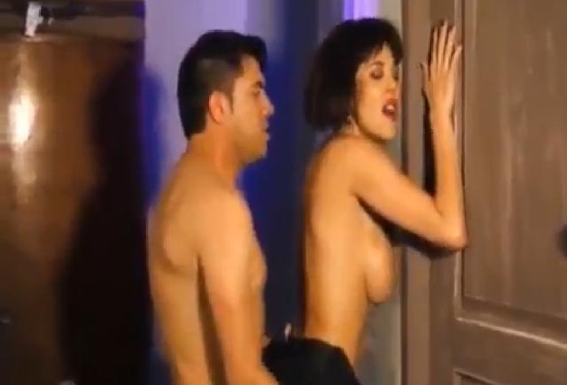 Sexo en la habitación de enfrente 7