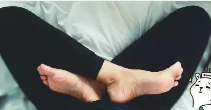 這樣坐20分鐘,打通全身經絡,調節慢性病!(盤腿打坐、排毒)