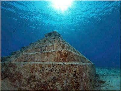 Resultado de imagem para piramide do japão