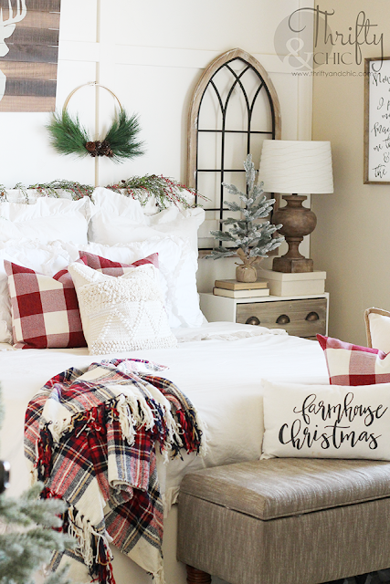 Bedroom Christmas Decor. Christmas decor and decorating ideas for bedroom. White and red christmas decor. Farmhouse christmas decor and decorating ideas. How to decorate your bedroom for Christmas.