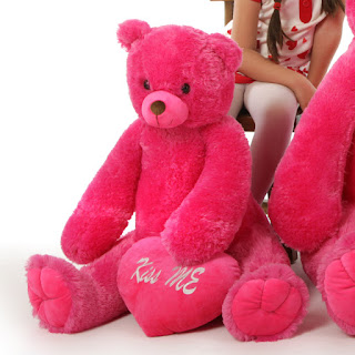 Cherry Tubs has old fashioned style with hot pink teddy bear pizazz
