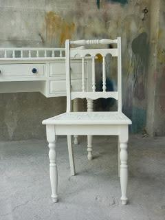 laqueação de mesa e cadeira