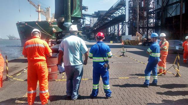 Resultado de imagem para trabalhadores portuária
