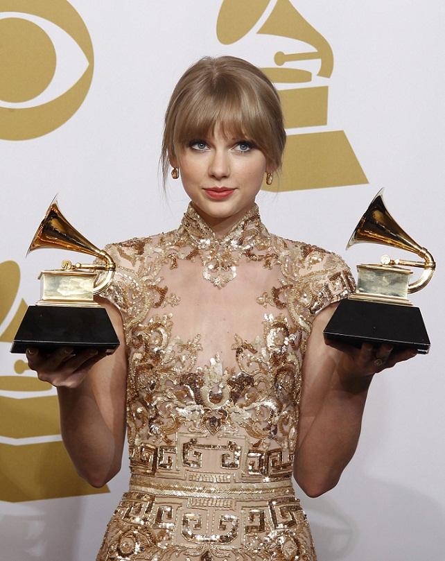 Celebrity fashion at the Grammy Awards 2012 | 642 x 809 jpeg 189kB