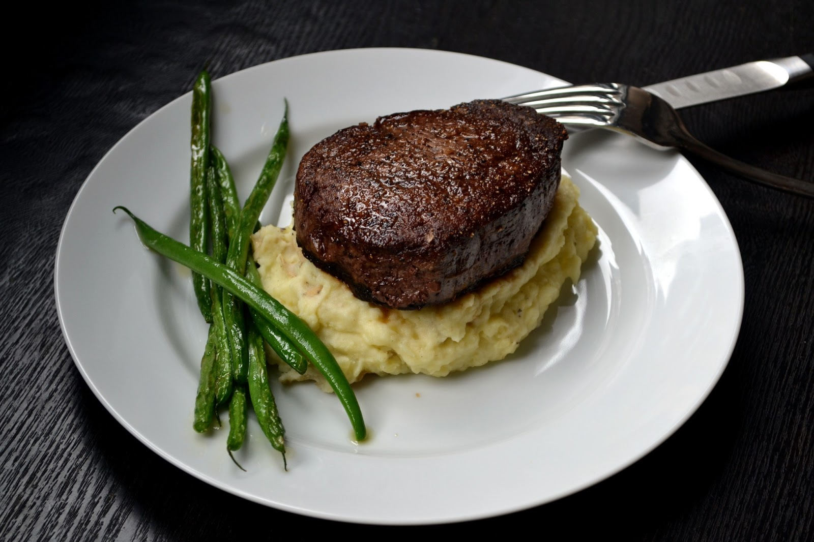 Hardly Housewives: How to Make the Perfect Filet Mignon