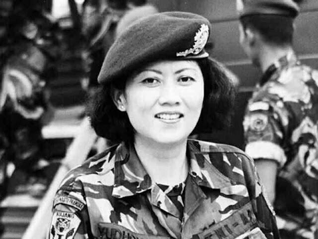 Ikut Berduka, Nurdin Abdullah Posting Foto Hitam Putih Ani Yudhoyono Berseragam TNI