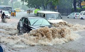 حیدرآباد : شہر میں جاری مسلسل بارش سے سڑکیں دن بدن ابتر ہوتی جارہی ہیں