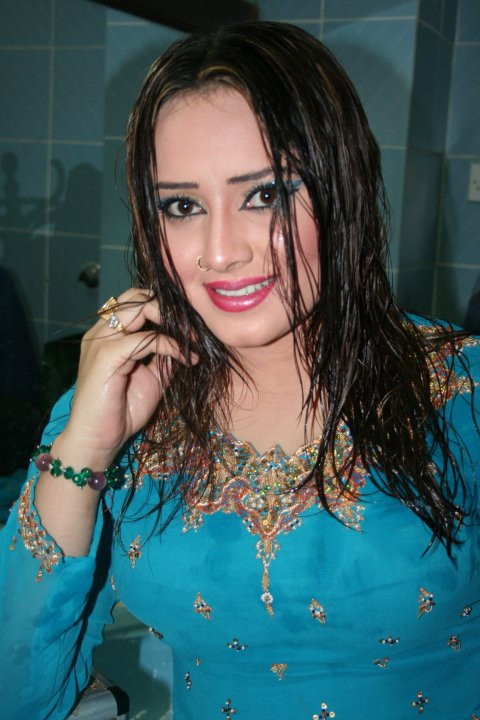 Pashto Film Drama Actress And Model Nadia Gul Pictures -4523