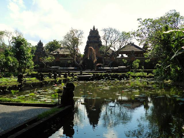 tempio Pura Taman Saraswati bali ubud
