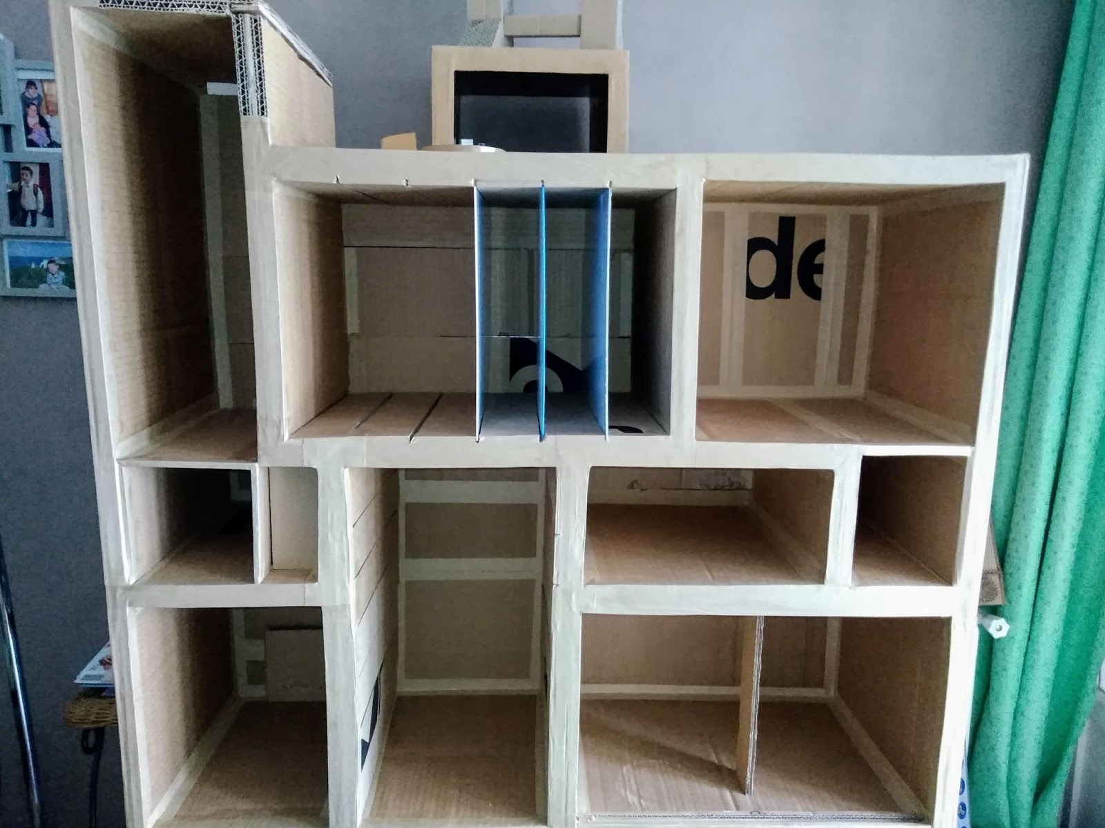 bureau en carton - Desk from Cardboard