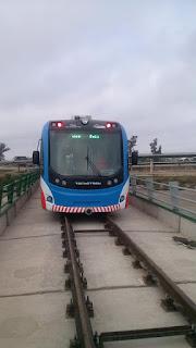 Principio de incendio y caos en el Tren al Desarrollo tras su inauguración