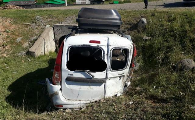 В Башкирии LADA Largus улетела в кювет: 4 пострадавших