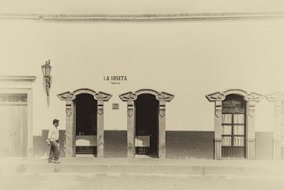En Cuitzeo (Michoacán, México), by Guillermo Aldaya / AldayaPhoto