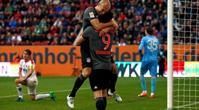 VIDEO: Bayern Kembali Menang 3-1 atas Augsburg