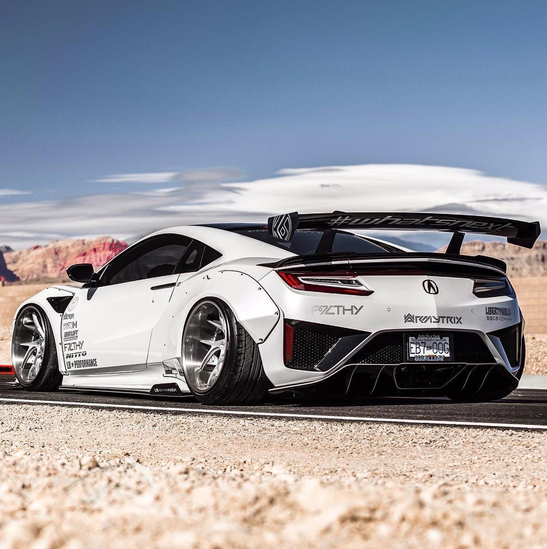 The Acura NSX has finally arrived on the market!