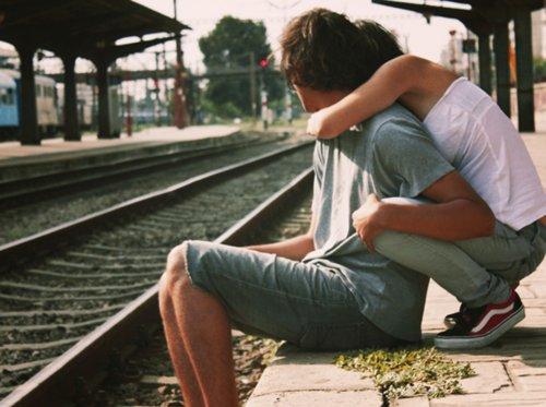 5 signes indiquent que tu l'aimes très fort