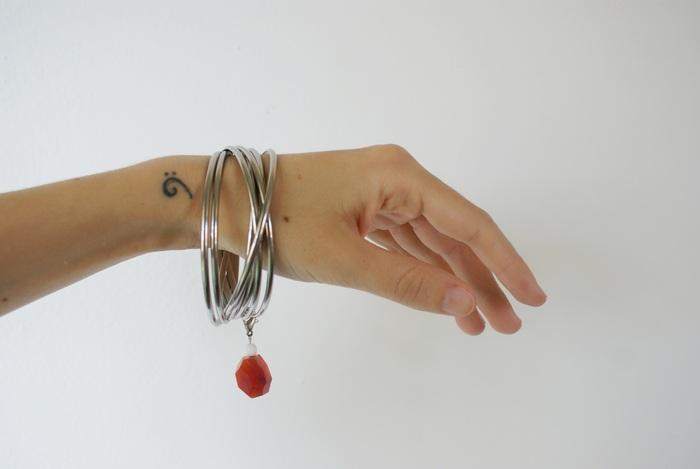 charm bangle bracelet diy ciondolo