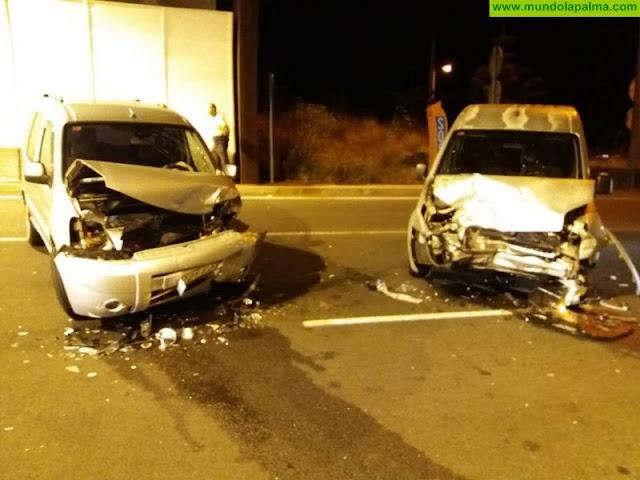 Colisión, el pasado viernes, de dos vehículos en Santa Cruz de La Palma