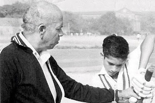 sachin-tribute-to-his-great-coach
