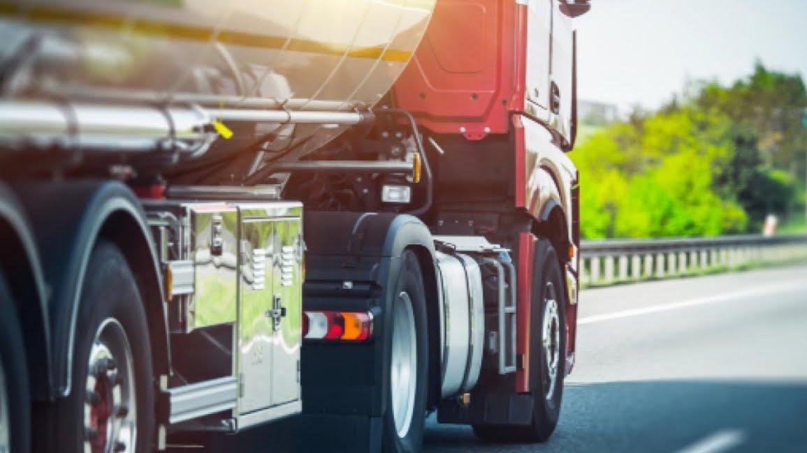 Francia pensa a pedaggio extra per camion italiani.