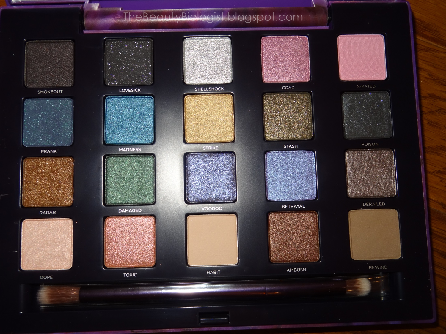 Urban Decay Naked 2 Palette (in Singapore!) | Makeup Stash! |Urban Decay Palette 2