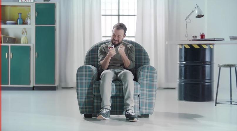 The Jackal nella pubblicità Kinder Bueno, spot sul buon umore - Novembre 2016
