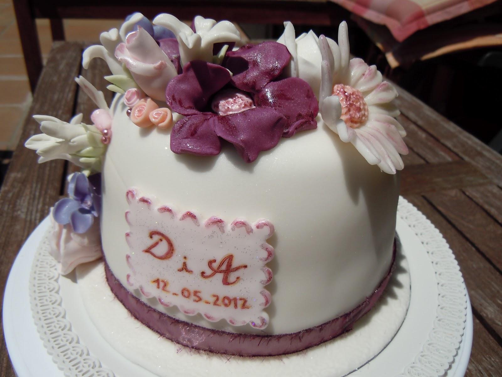 Pasteles De Boda Creativos: Mini Pastel De Boda Con Flores