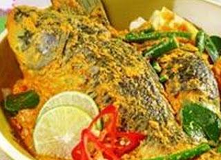 Resep bumbu ikan mas santan dan cara memasaknya