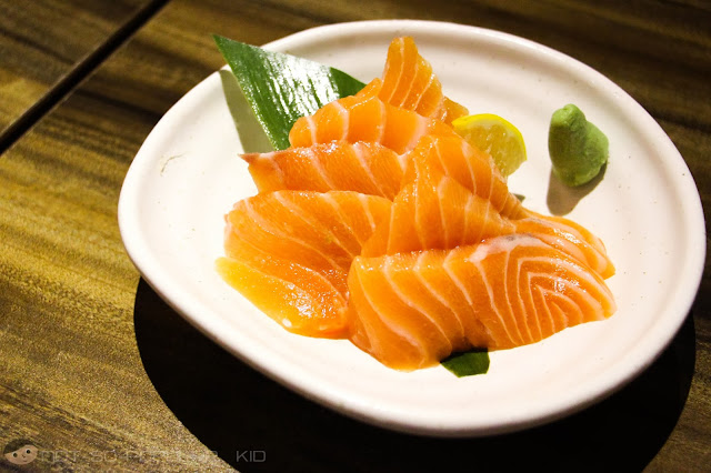 Fresh, tender and memorable salmon sashimi by Watami Restaurant