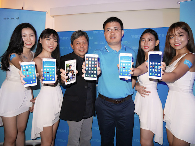 Director for Asia Pacific Region, Meizu Technology, Mr. Gary Xu & Mr. Steven Tan, Managing Director of Dynamics Distribution Sdn Bhd at the launch event