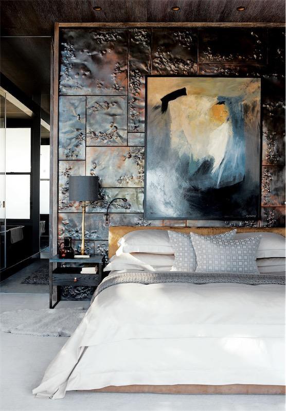 azulejos de cobre martillado en el dormitorio chicanddeco