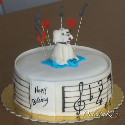 torta note e cagnolino