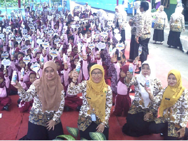 250 Siswa Mekarjaya 30 Ikuti Kegiatan Gerimis Telur