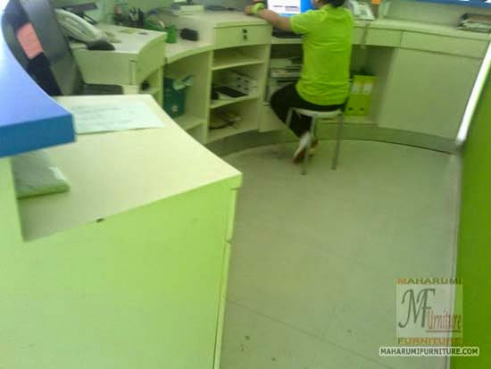 Projects Hotel Pop Bandara Cengkareng: Custom Furniture Meja Counter Resepsionis 2 Muka Tampak Dalam