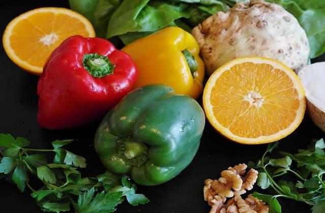 Makan makanan yang kaya akan kolagen